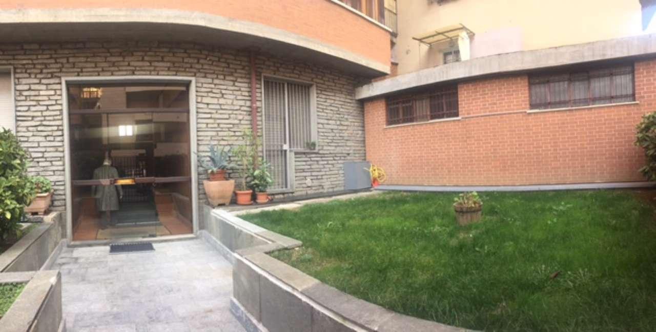Foto 1 di Bilocale via Argentero 10, Torino (zona Valentino, Italia 61, Nizza Millefonti)