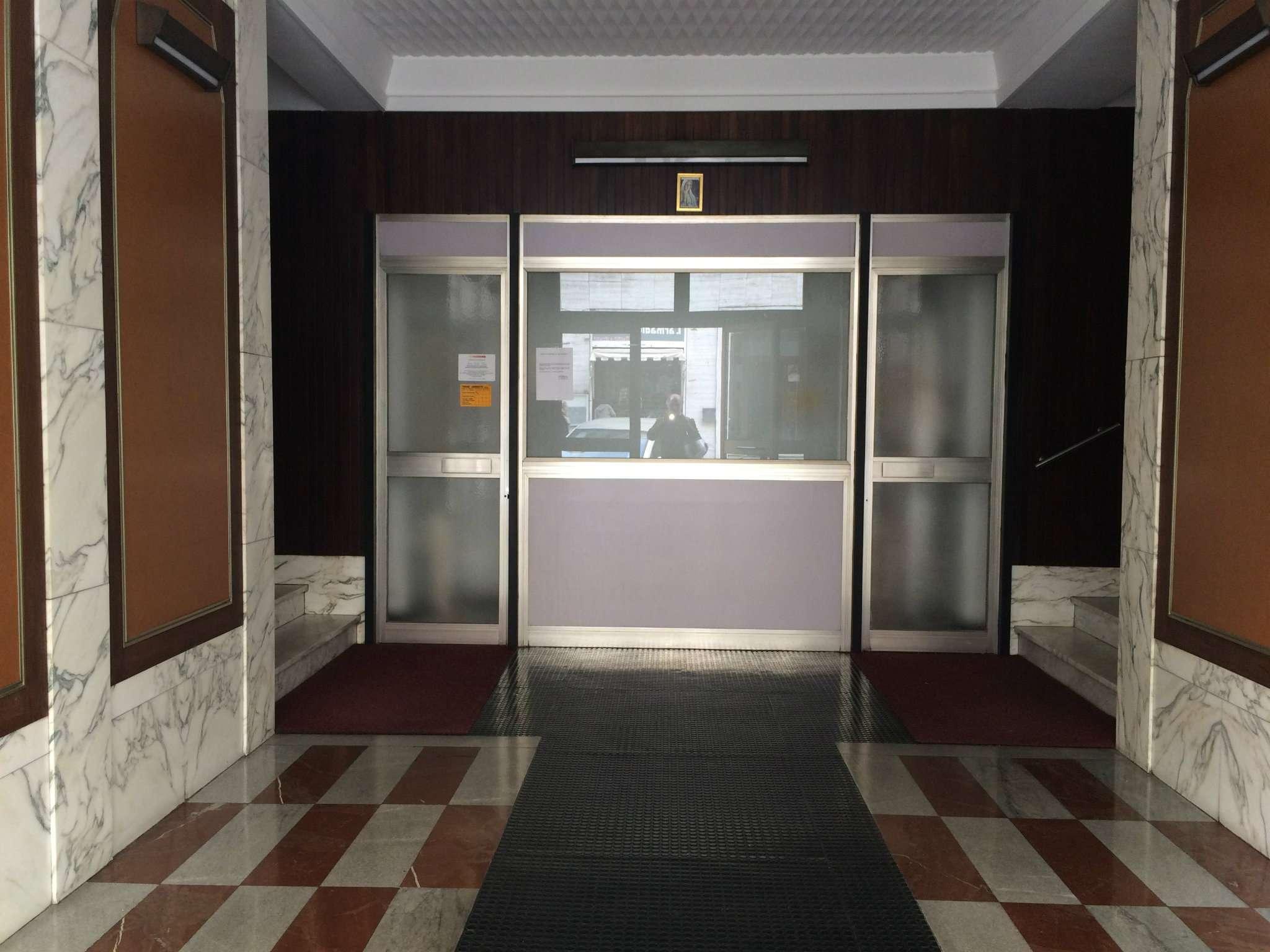 Appartamento in Affitto a Genova Centro: 4 locali, 90 mq