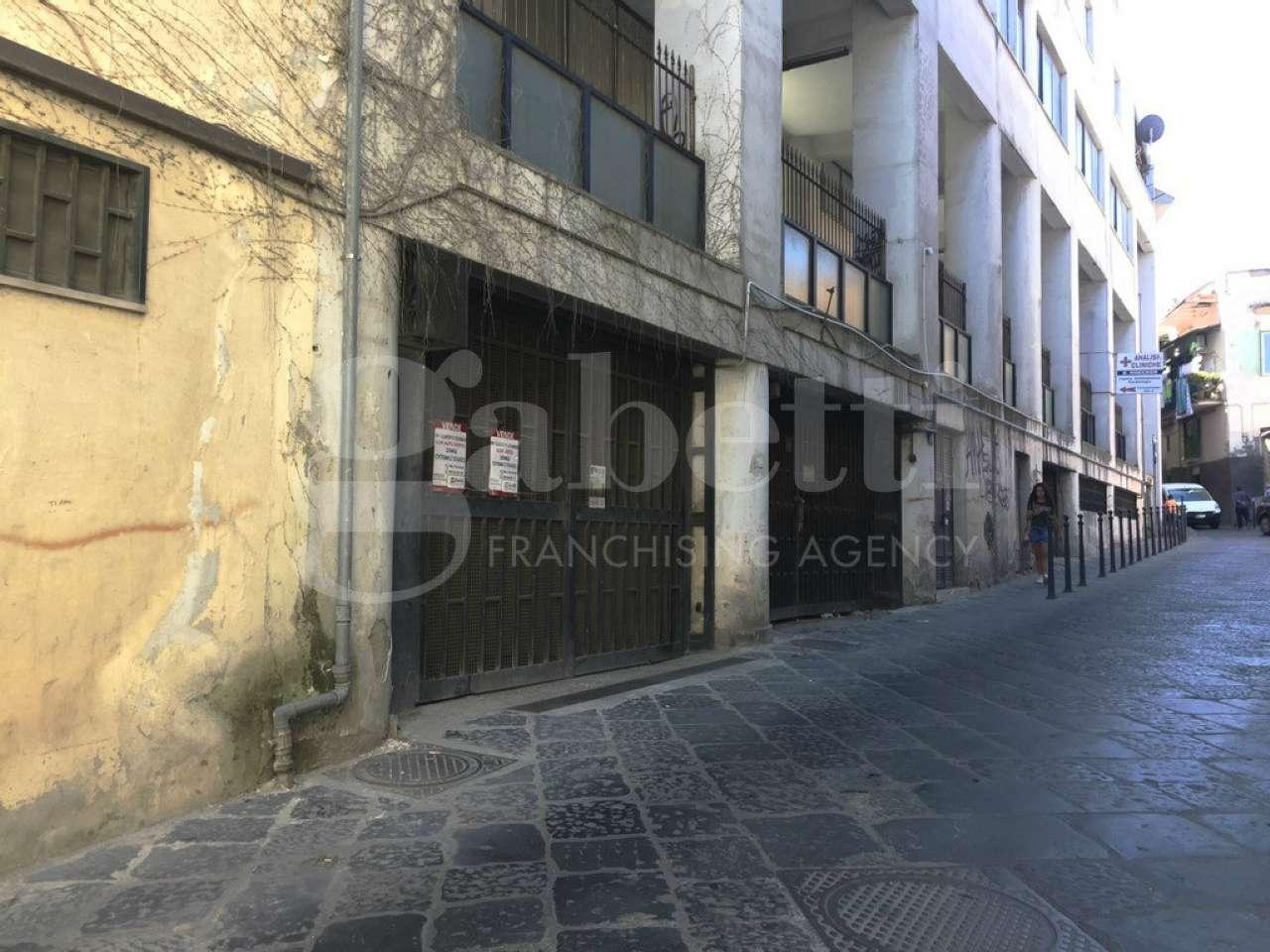 garage-Box-posto auto Doppio in Vendita a Marano Di Napoli