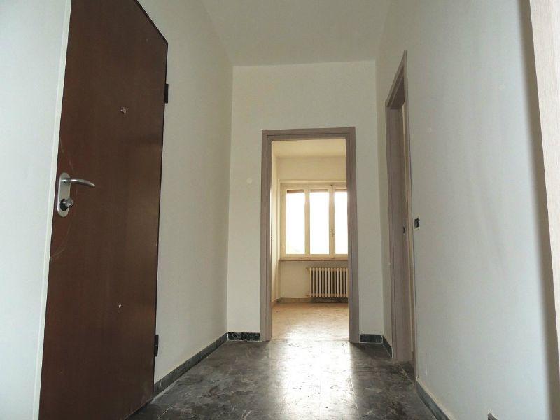 Bilocale Collegno Via Gobetti 5