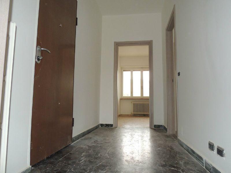 Bilocale Collegno Via Gobetti 11