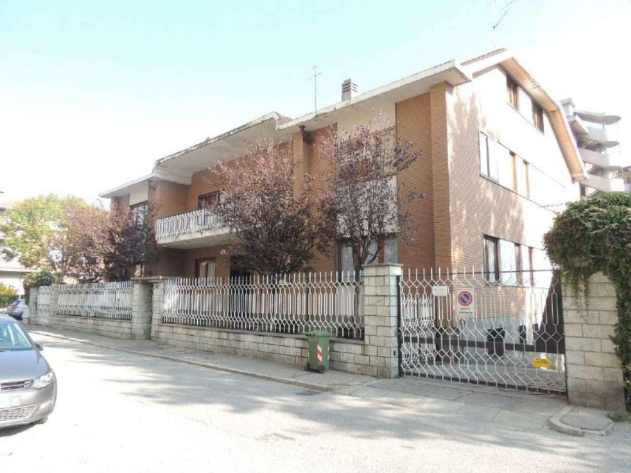 Appartamento in vendita a Collegno, 5 locali, prezzo € 258.000 | Cambio Casa.it
