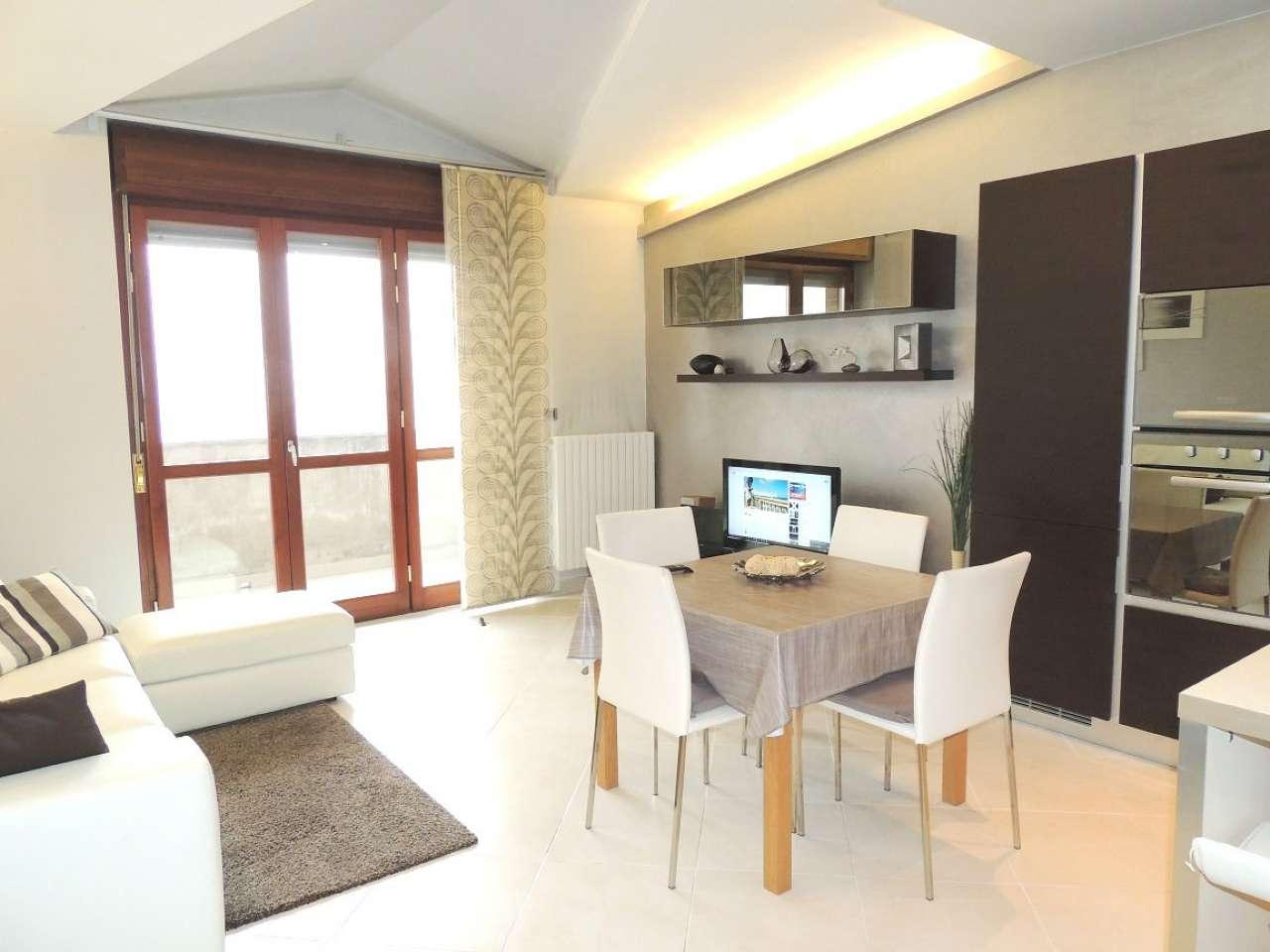 Appartamento in vendita a Collegno, 3 locali, prezzo € 215.000 | Cambio Casa.it