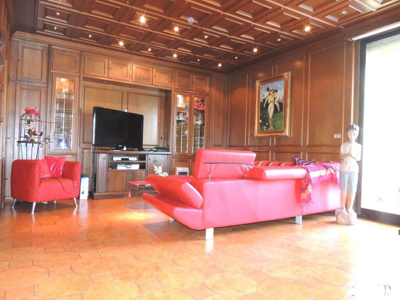 Appartamento in vendita a Collegno, 5 locali, prezzo € 265.000   Cambio Casa.it
