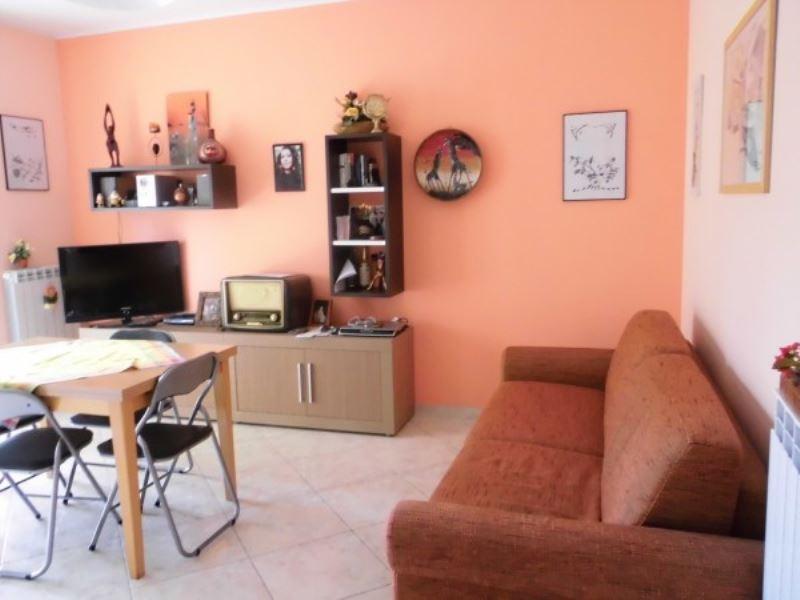 Appartamento in vendita a Vasto, 2 locali, prezzo € 77.000 | Cambiocasa.it