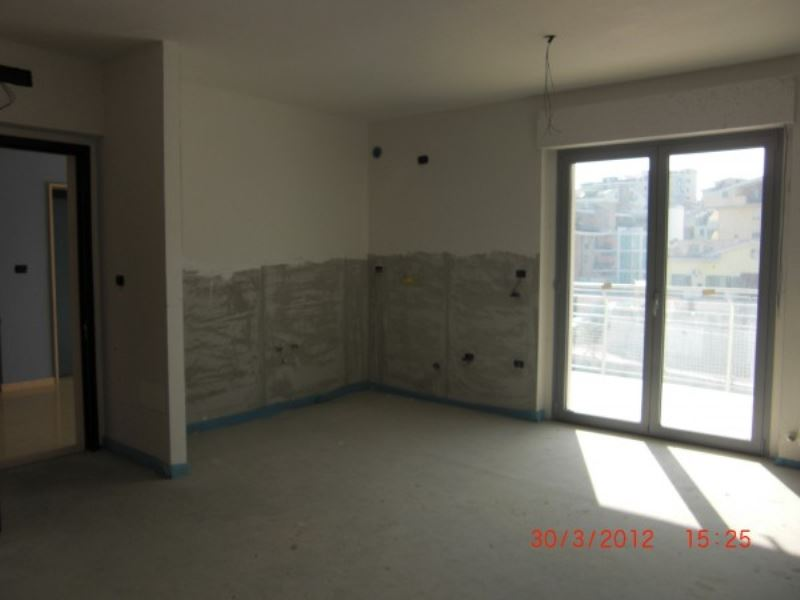 Appartamento in vendita a Vasto, 4 locali, prezzo € 150.000   Cambiocasa.it