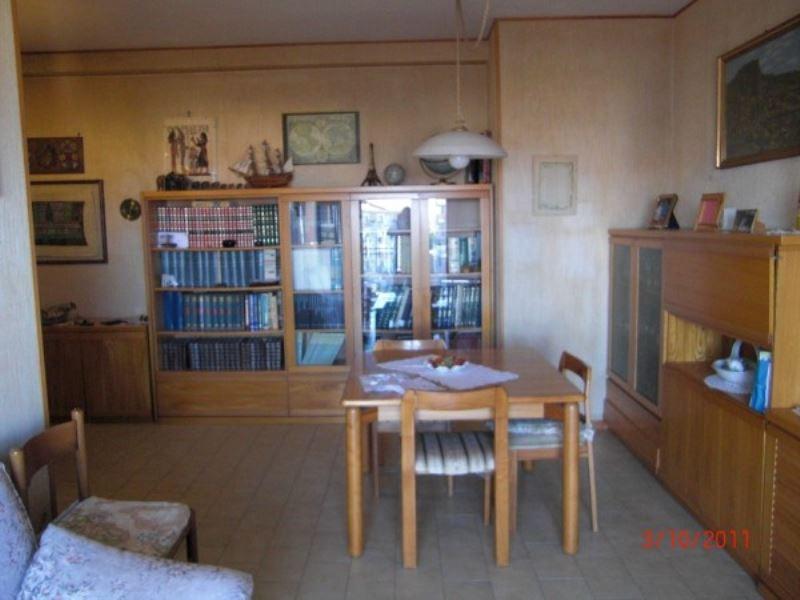 Appartamento in vendita a Vasto, 5 locali, prezzo € 120.000 | Cambiocasa.it