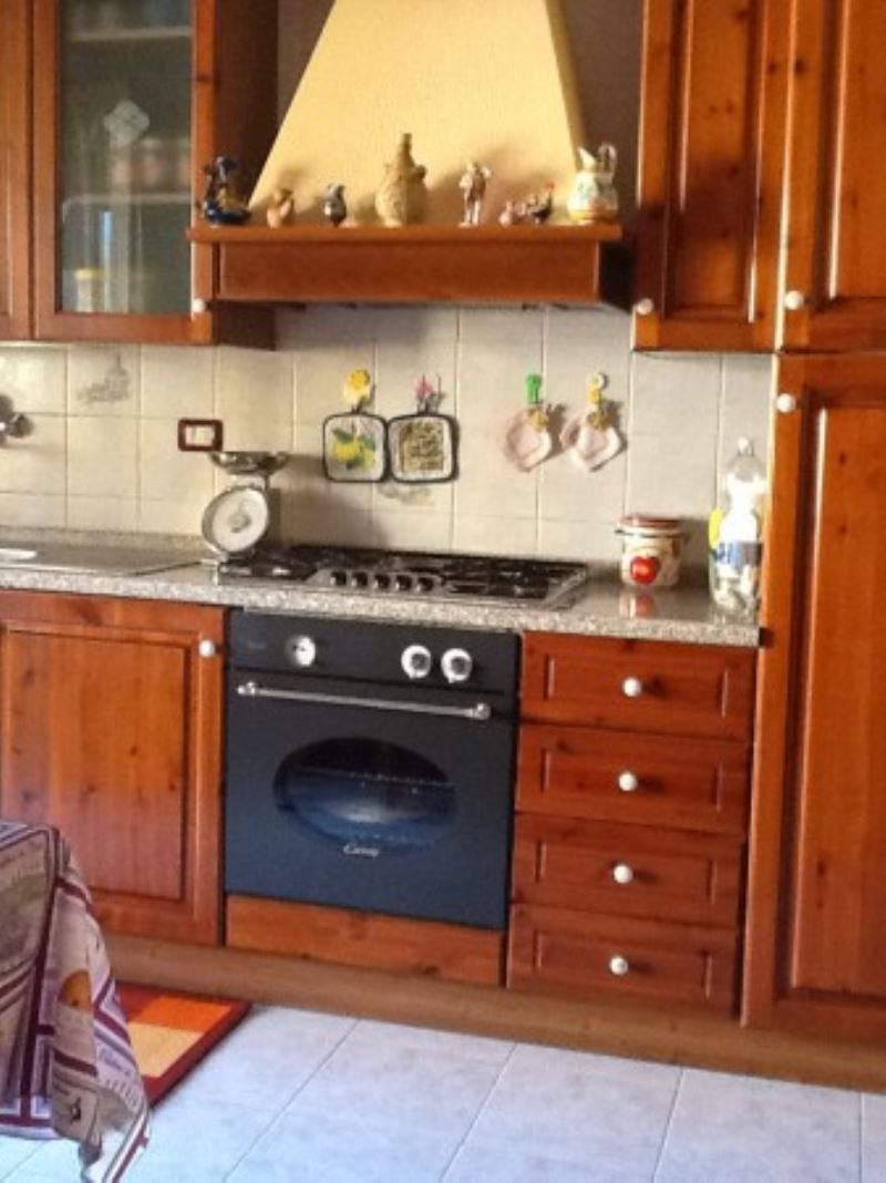 Appartamento in vendita a Vasto, 4 locali, prezzo € 145.000   Cambiocasa.it