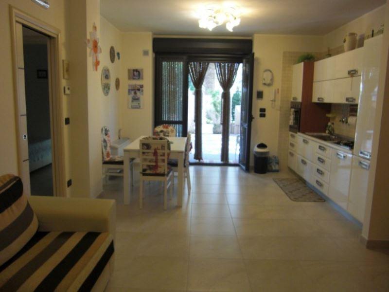 Appartamento in vendita a Vasto, 3 locali, prezzo € 390.000   Cambiocasa.it