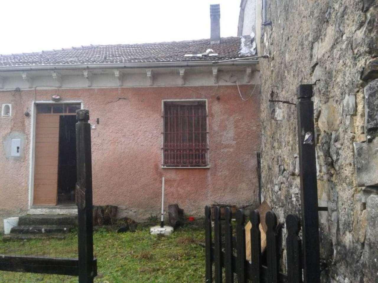Soluzione Indipendente in vendita a Mongiardino Ligure, 6 locali, prezzo € 35.000 | Cambio Casa.it