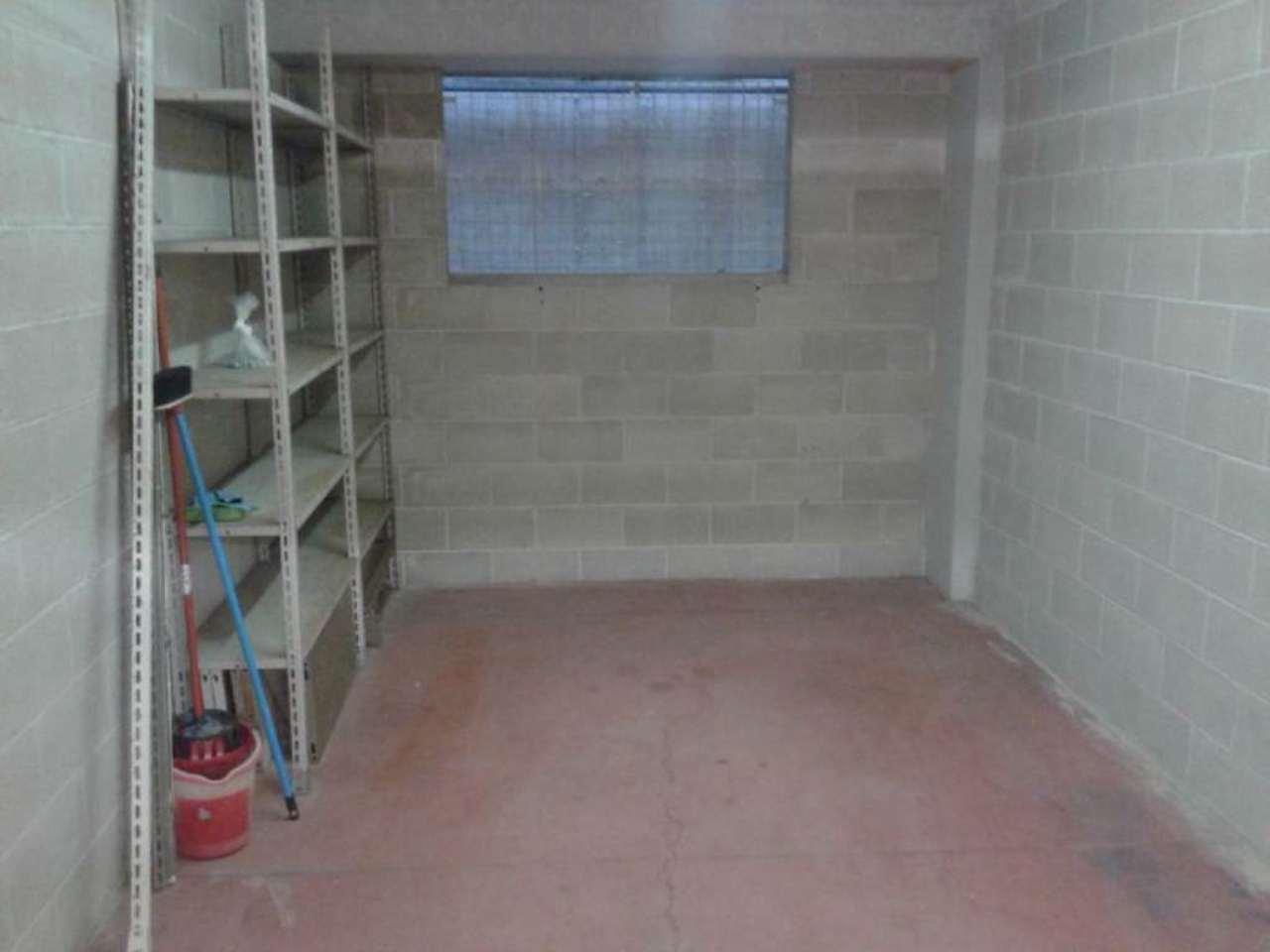Box garage genova affitto 150 16 mq box for Garage in affitto