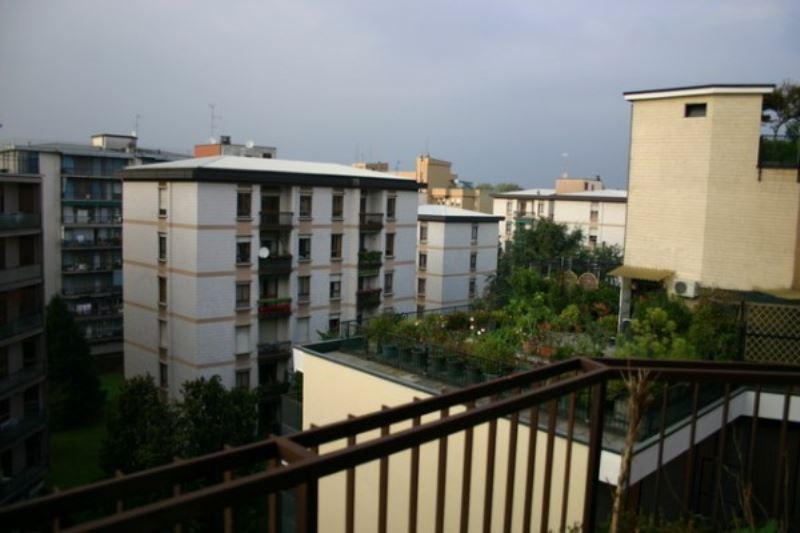 Appartamento in vendita a Monza, 4 locali, zona Zona: 1 . Centro Storico, San Gerardo, Via Lecco, prezzo € 305.000 | Cambiocasa.it