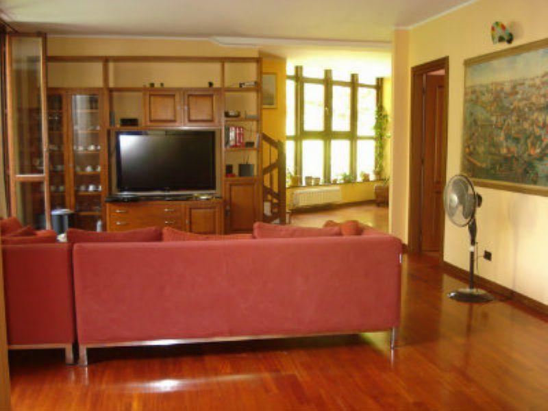Villa in vendita a Monza, 6 locali, zona Zona: 5 . San Carlo, San Giuseppe, San Rocco, prezzo € 980.000 | Cambiocasa.it
