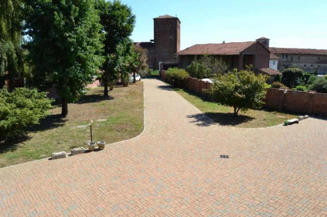 Soluzione Indipendente in vendita a Carignano, 12 locali, prezzo € 460.000 | Cambio Casa.it
