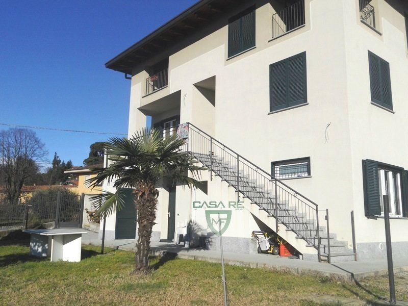 Appartamento in vendita a Casciago, 4 locali, prezzo € 210.000 | Cambio Casa.it