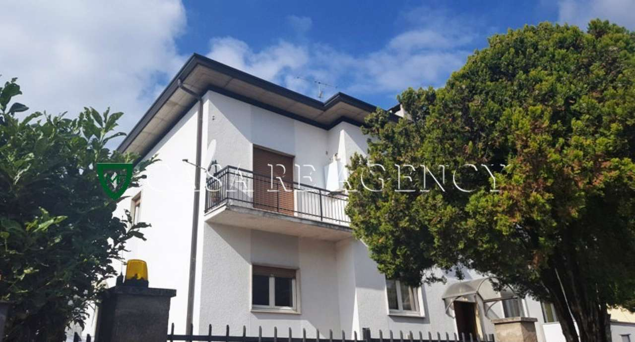 Appartamento in vendita a Induno Olona, 3 locali, prezzo € 155.000   Cambio Casa.it