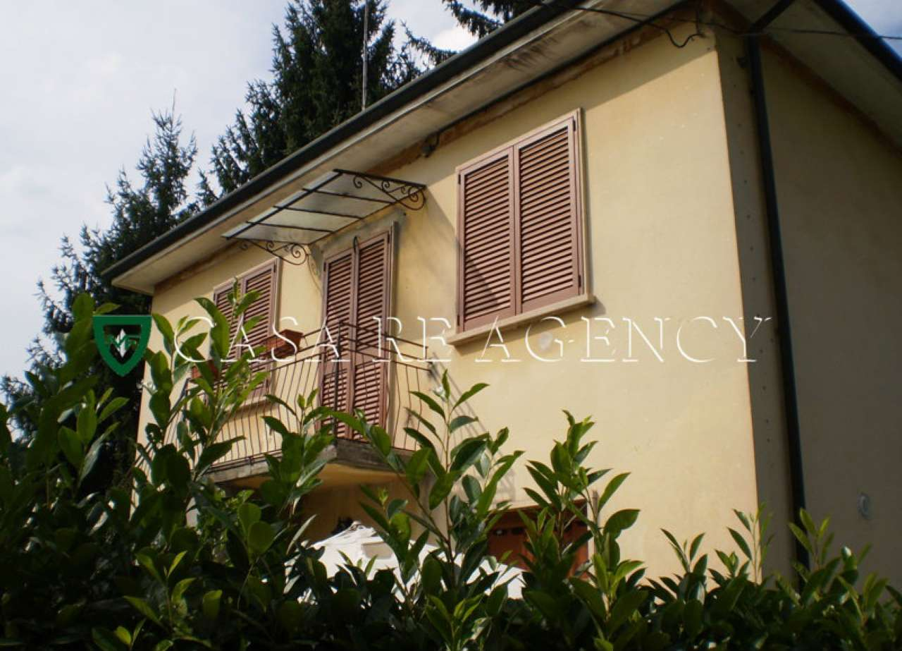 Villa in vendita a Varese, 4 locali, prezzo € 295.000 | CambioCasa.it