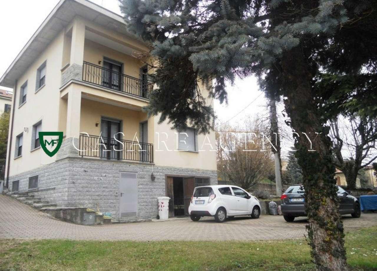 Villa in vendita a Varese, 5 locali, prezzo € 400.000 | Cambio Casa.it