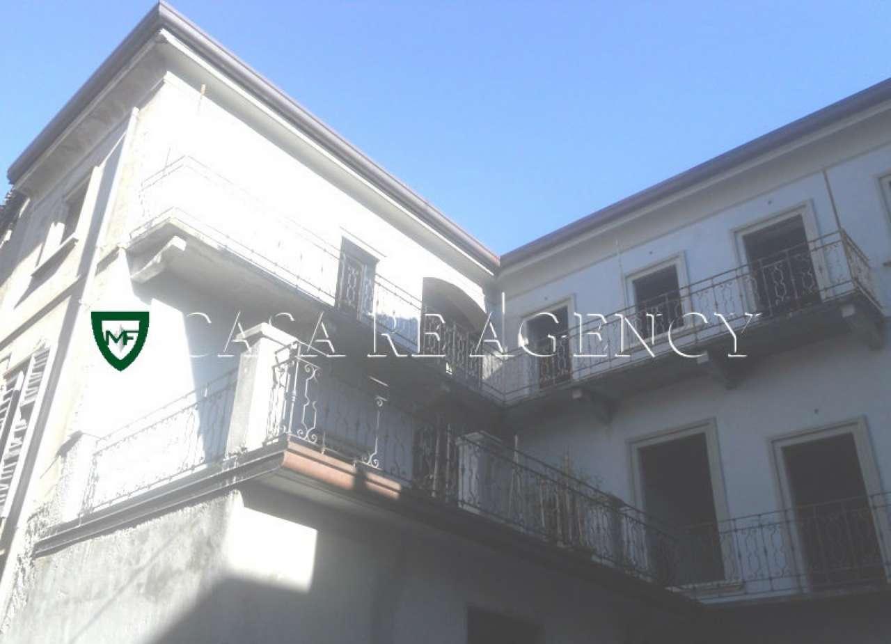Rustico / Casale in vendita a Induno Olona, 7 locali, prezzo € 175.000 | Cambio Casa.it
