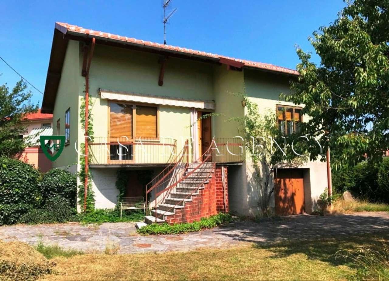 Villa in vendita a Induno Olona, 4 locali, prezzo € 250.000   CambioCasa.it