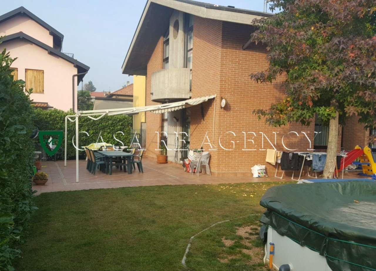 Villa in vendita a Malnate, 8 locali, prezzo € 415.000 | CambioCasa.it