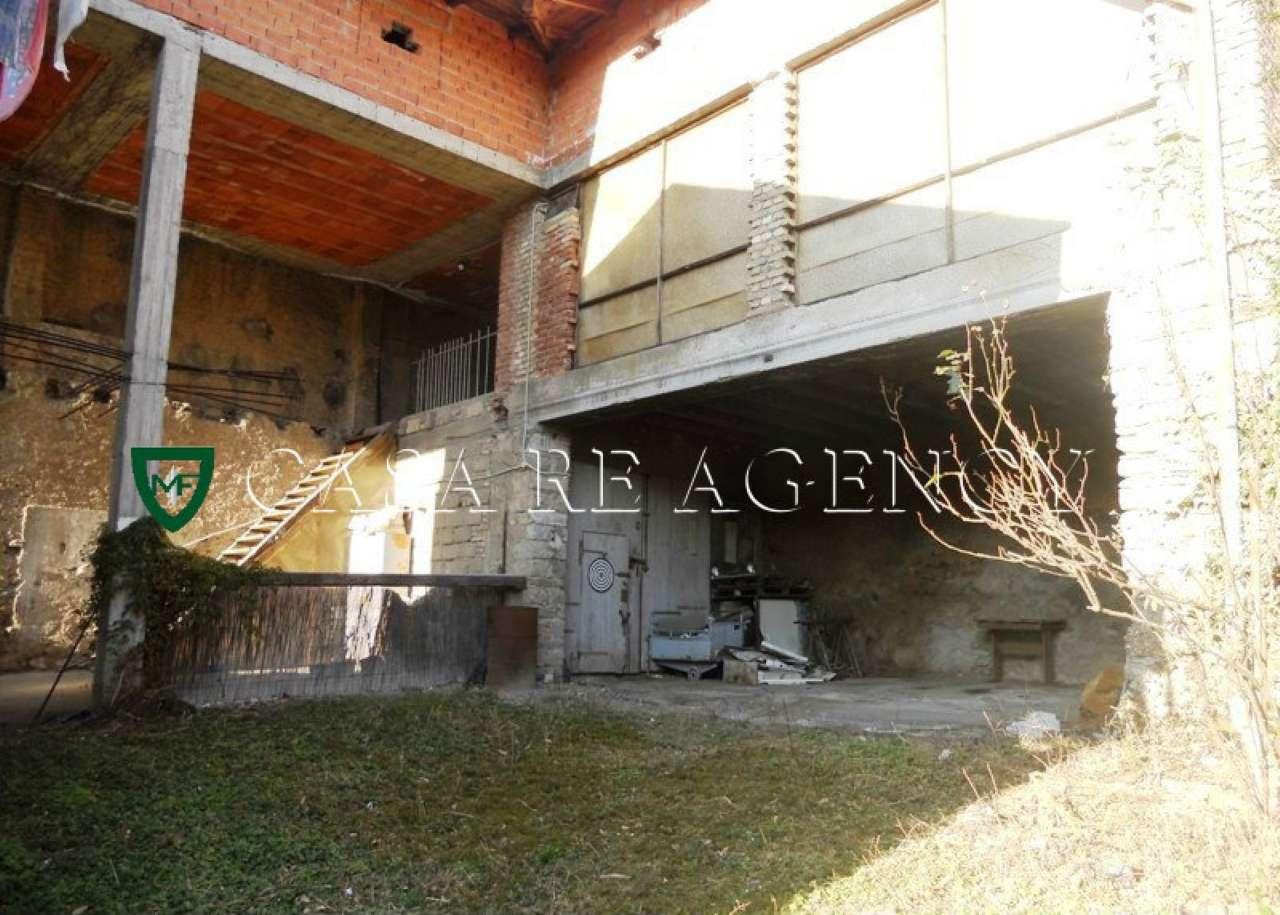 Rustico / Casale in vendita a Varese, 4 locali, prezzo € 35.000 | CambioCasa.it