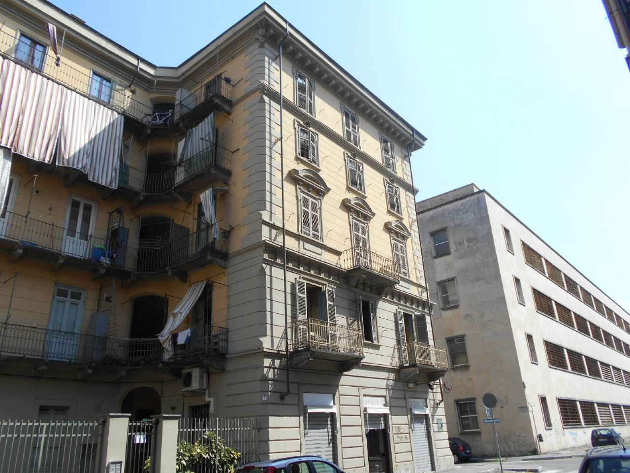 Palazzo / Stabile in vendita a Torino, 9999 locali, zona Zona: 3 . San Salvario, Parco del Valentino, prezzo € 1.200.000 | CambioCasa.it