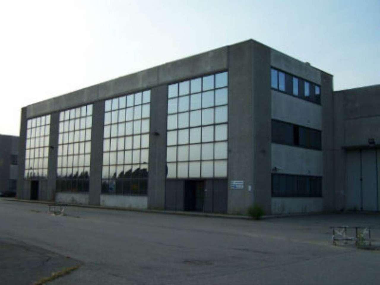 Capannone in affitto a Torino, 9999 locali, zona Zona: 16 . Mirafiori, Centro Europa, Città Giardino, Trattative riservate | Cambio Casa.it