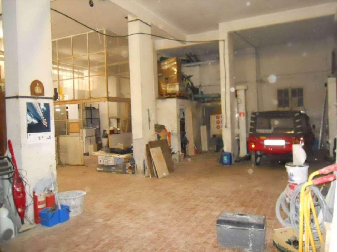 Magazzino in vendita a Genova, 4 locali, zona Zona: 3 . Boccadasse-Sturla, prezzo € 130.000 | Cambio Casa.it