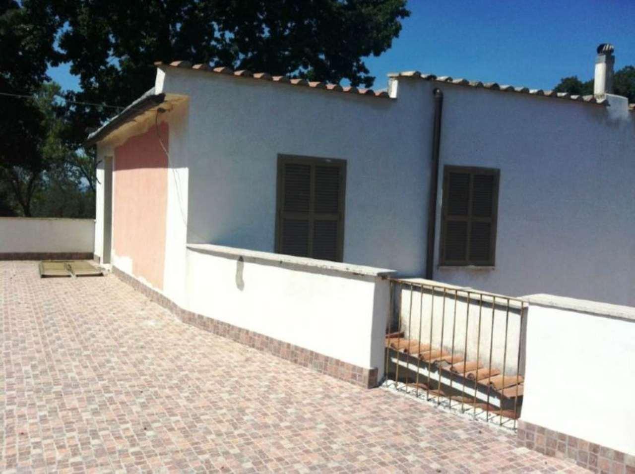 Villa in vendita a Tivoli, 6 locali, prezzo € 340.000 | Cambio Casa.it