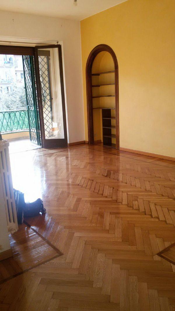 Bilocale Torino Via F.lli Carle 4