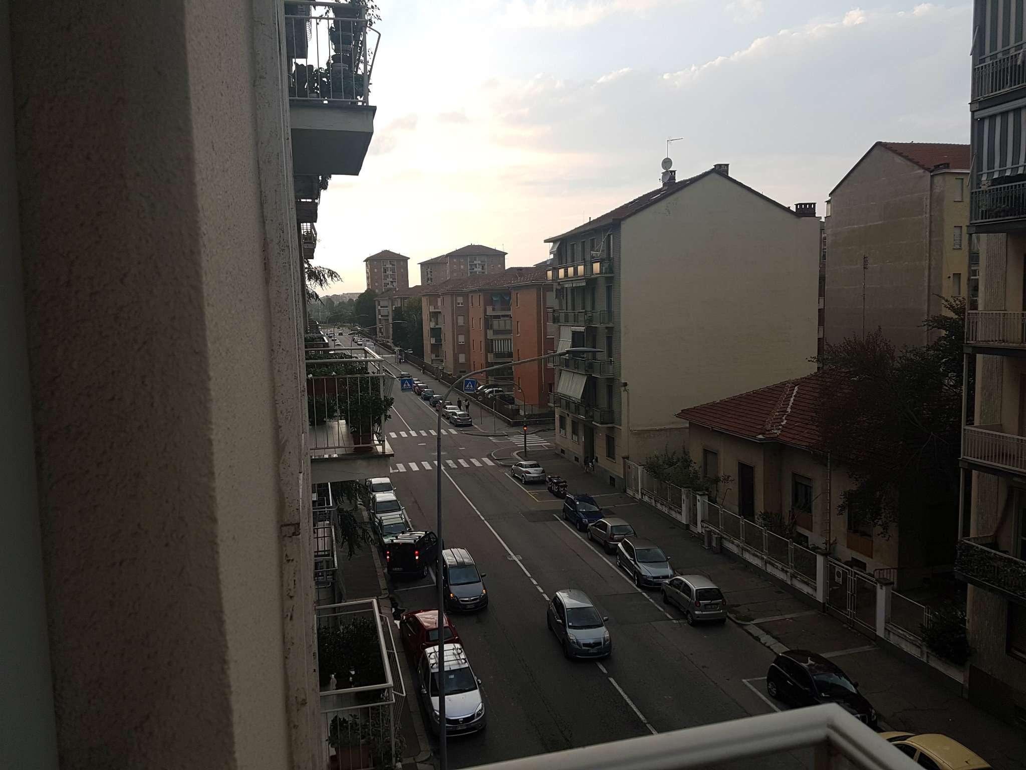 Bilocale Torino Via Candiolo 8