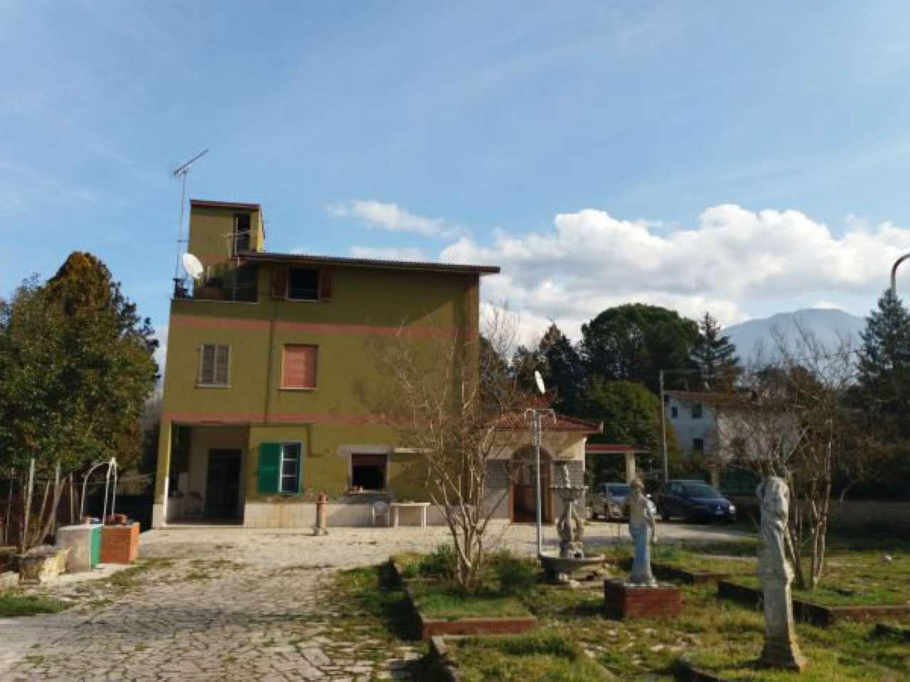 Villa in Vendita a Palombara Sabina