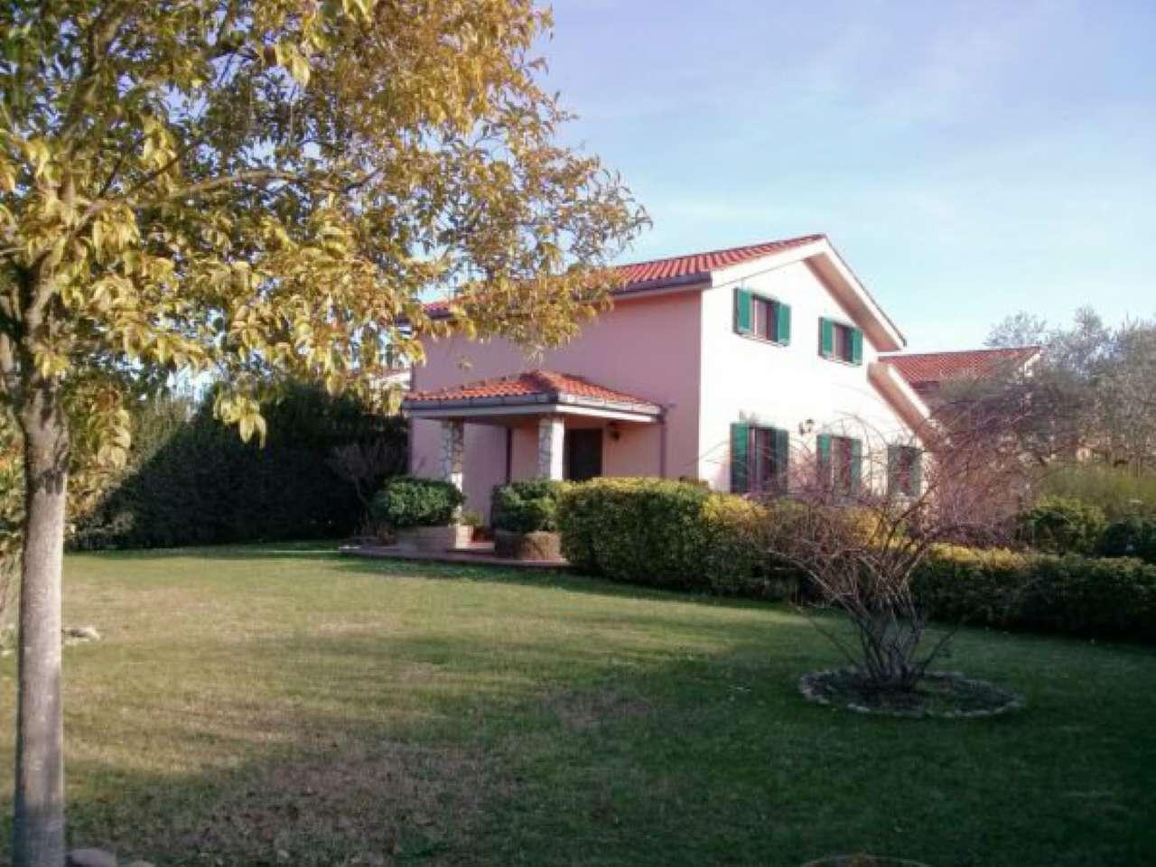 Villa Tri-Quadrifamiliare in Vendita a Fiano Romano