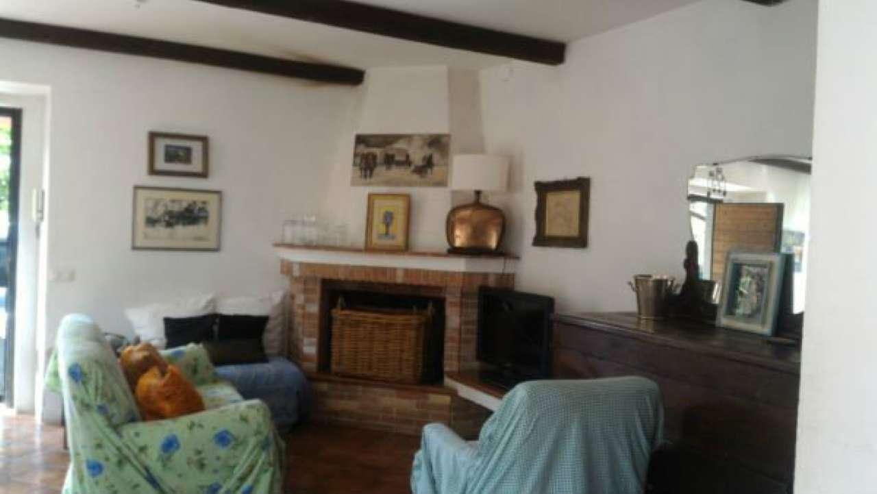Villa in vendita a Mazzano Romano, 4 locali, prezzo € 165.000   CambioCasa.it