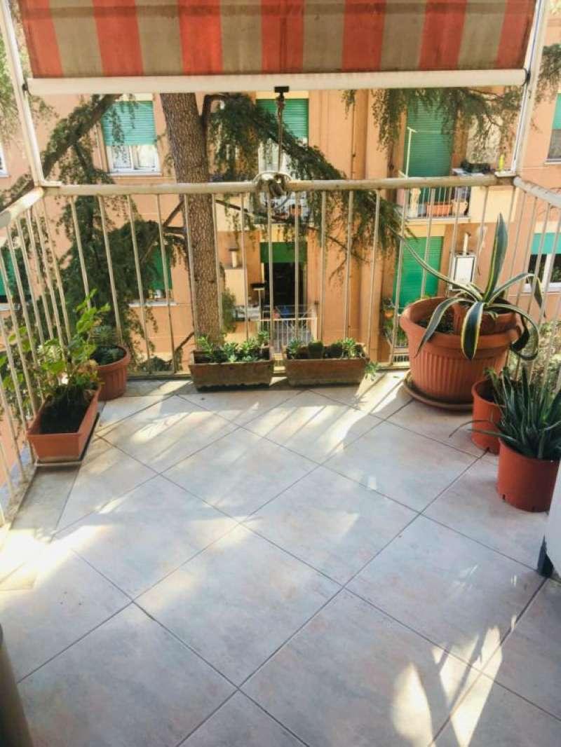 Appartamento in vendita 4 vani 110 mq.  via monte massico Roma