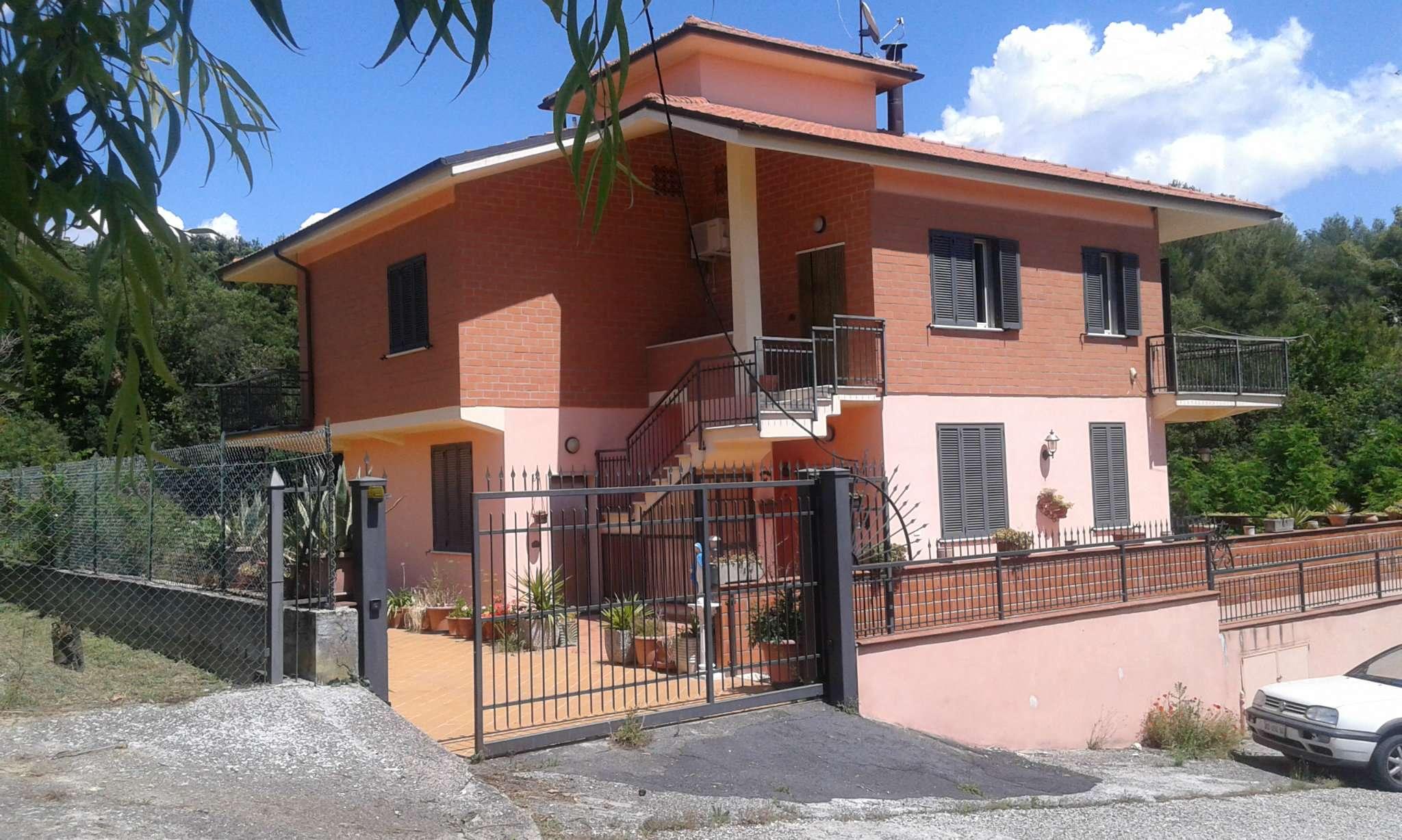 Villa in vendita a Narni, 6 locali, prezzo € 450.000 | Cambio Casa.it