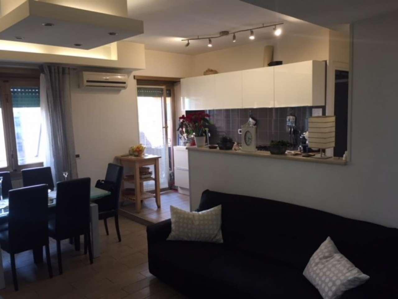 Appartamento in vendita 4 vani 80 mq.  via Guido Castelnuovo Roma