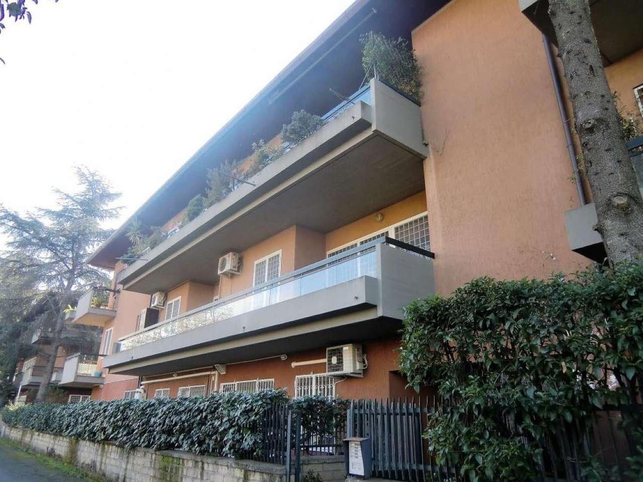 Appartamento in vendita 4 vani 144 mq.  via Dario Niccodemi Roma