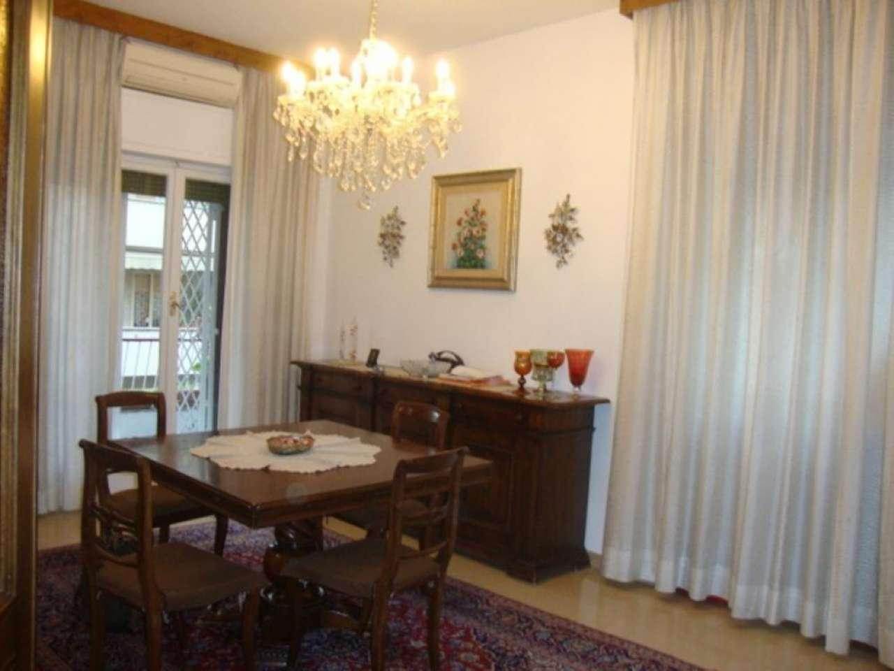 Appartamento in vendita 6 vani 170 mq.  via Ciociaria Roma
