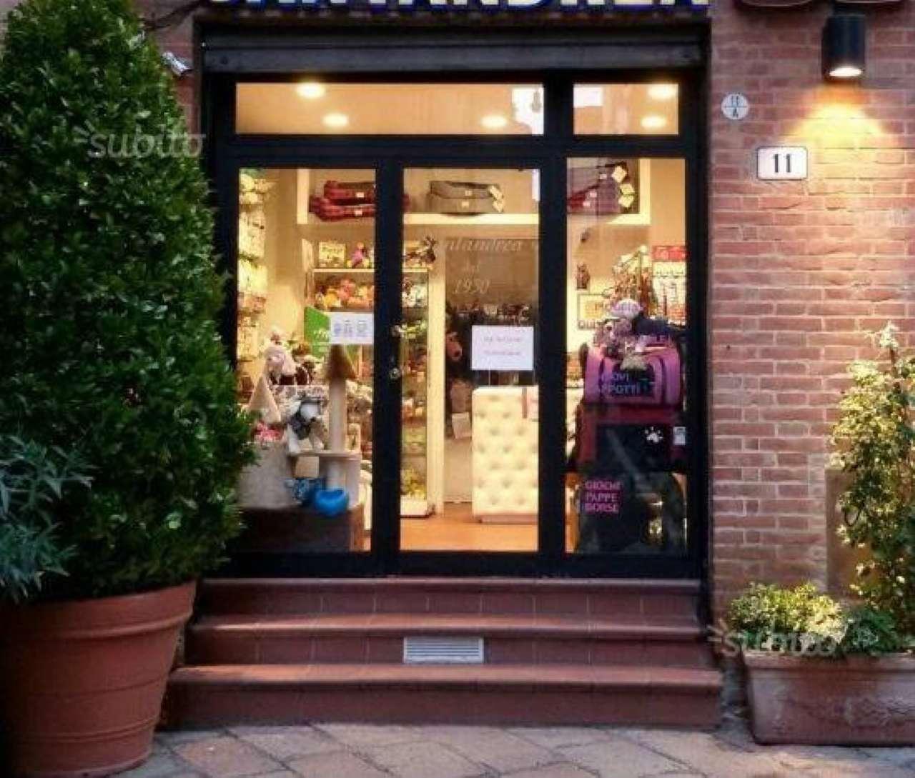 Attività / Licenza in vendita a Bologna, 2 locali, zona Zona: 1 . Centro Storico, prezzo € 20.000 | Cambio Casa.it