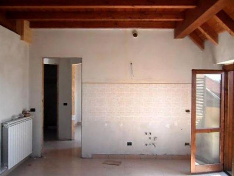 Bilocale Busto Arsizio Via Dairago 3