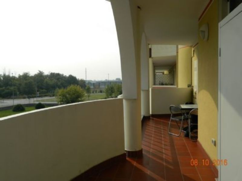 Bilocale Arluno Via Montale 11