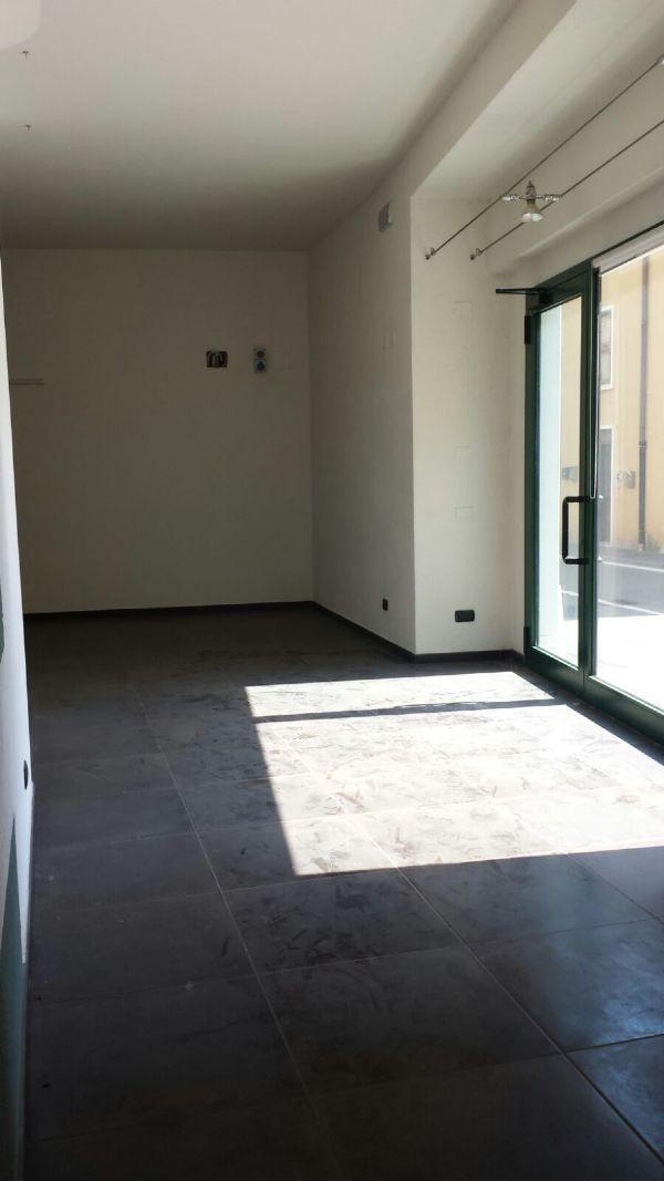 Negozio / Locale in affitto a Pozzolengo, 1 locali, prezzo € 800 | Cambio Casa.it