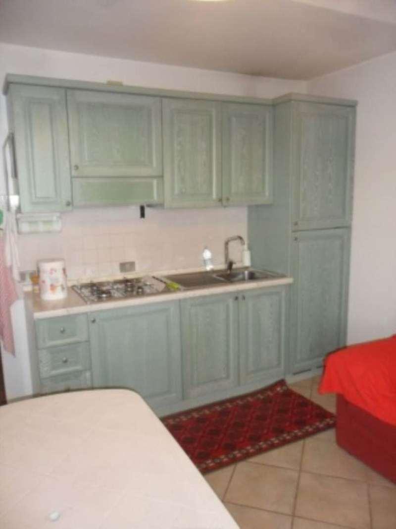 Appartamento in affitto a Puegnago sul Garda, 3 locali, prezzo € 450 | Cambio Casa.it
