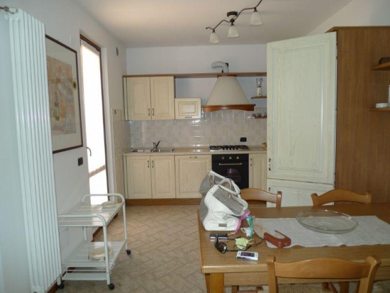 Appartamento in affitto a Polpenazze del Garda, 3 locali, prezzo € 600   Cambio Casa.it