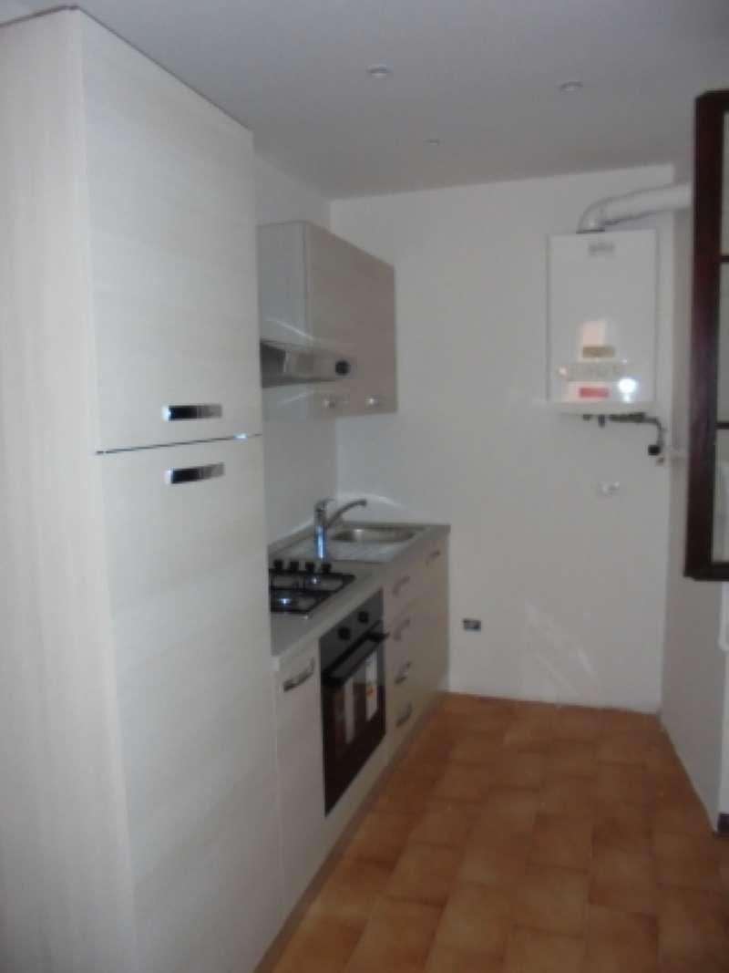 Appartamento in affitto a Desenzano del Garda, 2 locali, prezzo € 500 | Cambio Casa.it