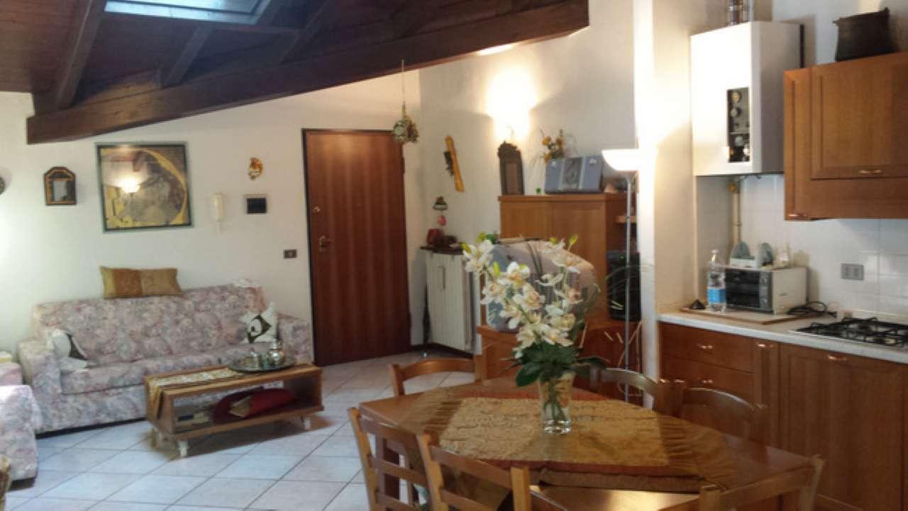Appartamento in affitto a Padenghe sul Garda, 3 locali, prezzo € 480   Cambio Casa.it