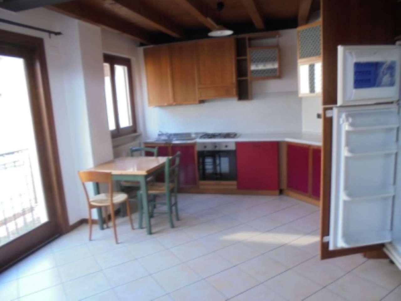 Appartamento in affitto a Salò, 3 locali, prezzo € 550 | Cambio Casa.it