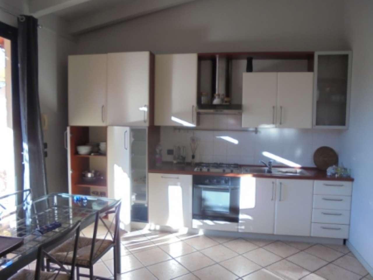 Appartamento in affitto a Padenghe sul Garda, 2 locali, prezzo € 700 | Cambio Casa.it